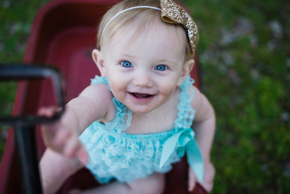 Carly_One_Year_Old_Outdoor_Photos_New_Braunfels_TX-011