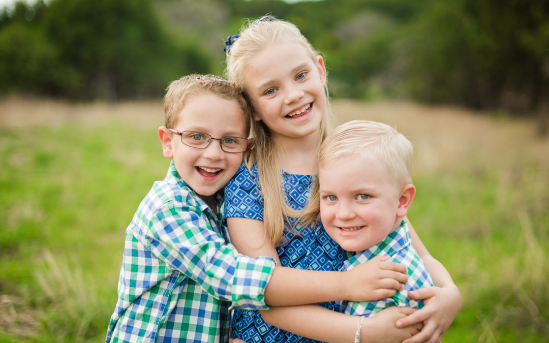 Outdoor Family Mini Photo Session | New Braunfels Family Photographer